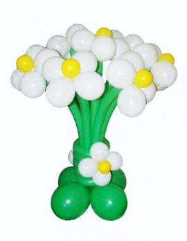 Цветы из шаров Ромашки