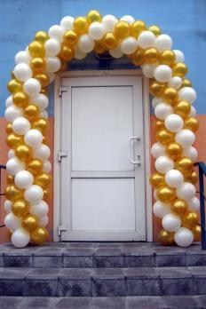 Гирлянда из шаров - белый, золотой