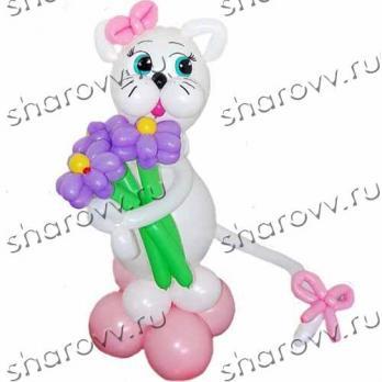 Фигура из шариков Кошка с цветами