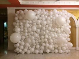 Фотозона из шаров Белая пена